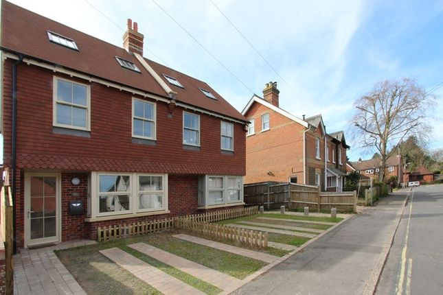 Thumbnail Semi-detached house for sale in Wellands Road, Lyndhurst