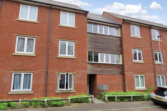 Thumbnail Flat for sale in Windsor Close, Witham