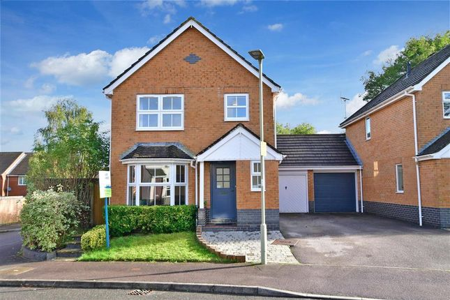 3 bed link-detached house for sale in Orwell Road, Petersfield, Hampshire GU31