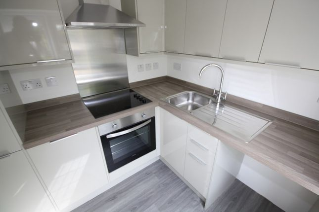 Flat to rent in Falmouth Avenue, London