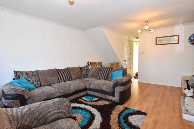 Living Room of Five Acres Close, Lindford, Bordon GU35