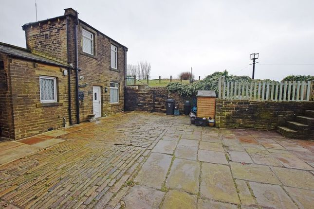 Thumbnail Terraced house for sale in Turn Lea, Midgley