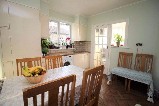 2 bed flat for sale in Chingford Mount Road, Chingford