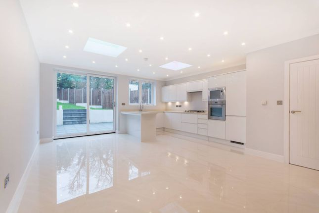 Thumbnail Property for sale in Covington Way, Norbury