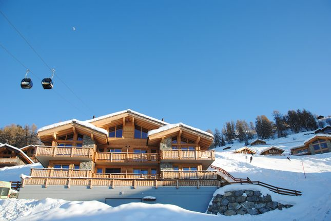 Apartment for sale in A Ski In, Ski Out Ground Floor Apartment, Veysonnaz, Valais, Switzerland
