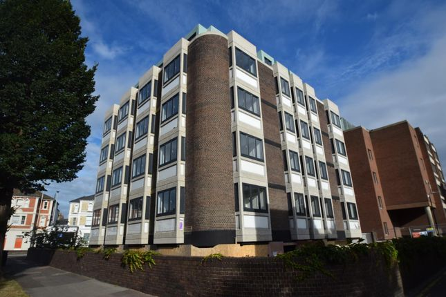 1 bed flat to rent in Gildredge Road, Eastbourne BN21