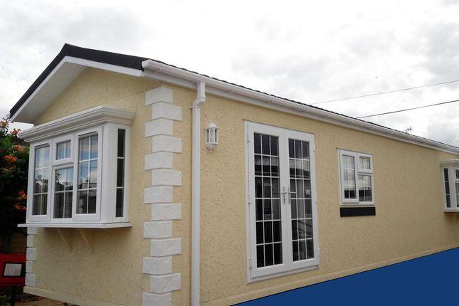 Thumbnail Mobile/park home for sale in Worthing Road, Rustington, Littlehampton