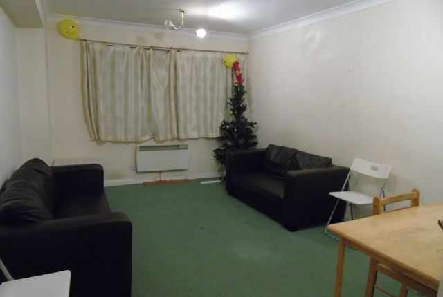 Thumbnail Flat to rent in Canning Road, Addiscombe, Croydon