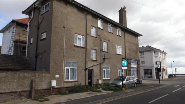 2 bed flat for sale in High Street, Walton On The Naze