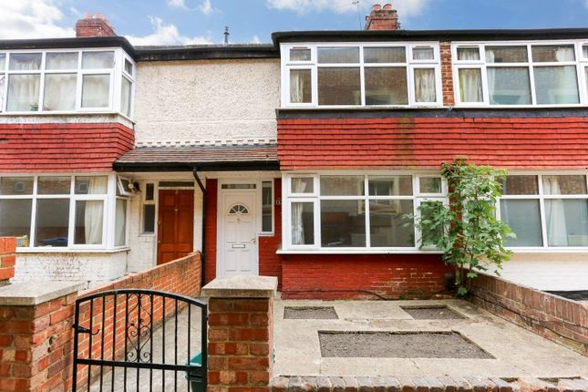 Thumbnail Semi-detached house to rent in Oaklea Passage, Kingston Upon Thames