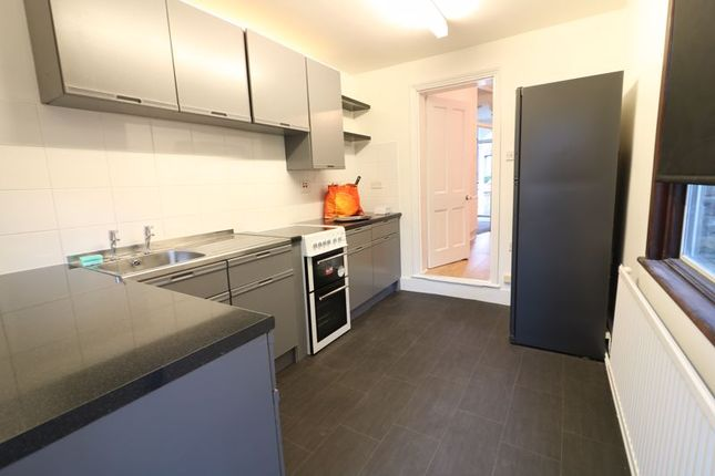 Thumbnail Terraced house to rent in Henley Road, London