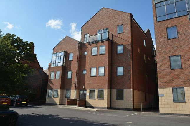 Thumbnail Flat for sale in Greestone Mount, Lincoln