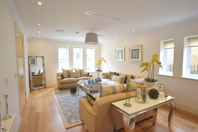 Thumbnail Terraced house to rent in Havanna Drive, London