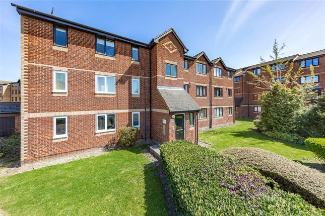 1 bed flat for sale in Chestnut Road, Vange, Basildon SS16