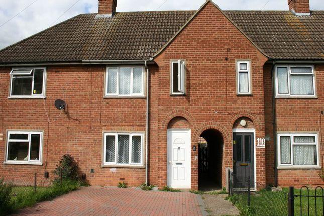 2 bed property to rent in Penn Road, Aylesbury, Bucks