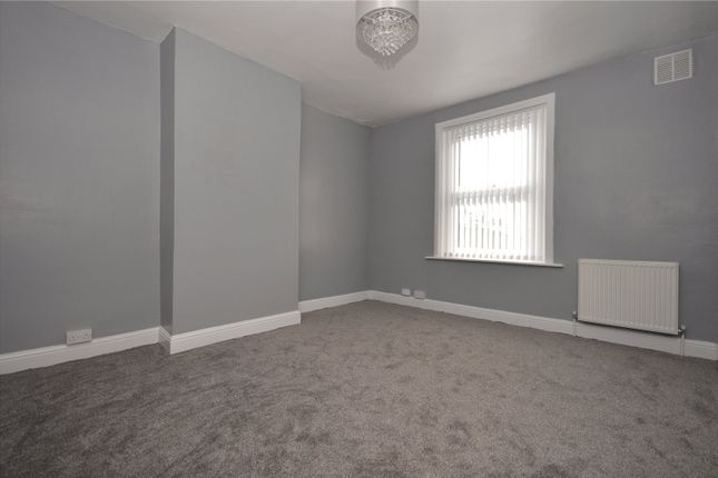 Picture 9 of Harlech Avenue, Leeds, West Yorkshire LS11
