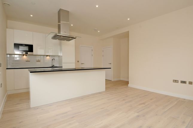 Thumbnail Flat to rent in Reynolds Court, Baring Road, Beaconsfield