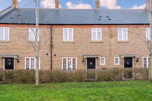 Thumbnail Property to rent in Hidcote Way, Daventry