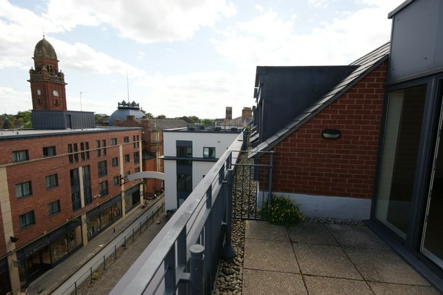 Thumbnail Flat to rent in 89 Regent Court, The Parade, Leamington Spa