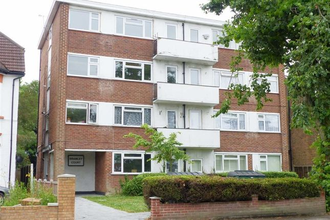 Flat for sale in The Ridgeway, London