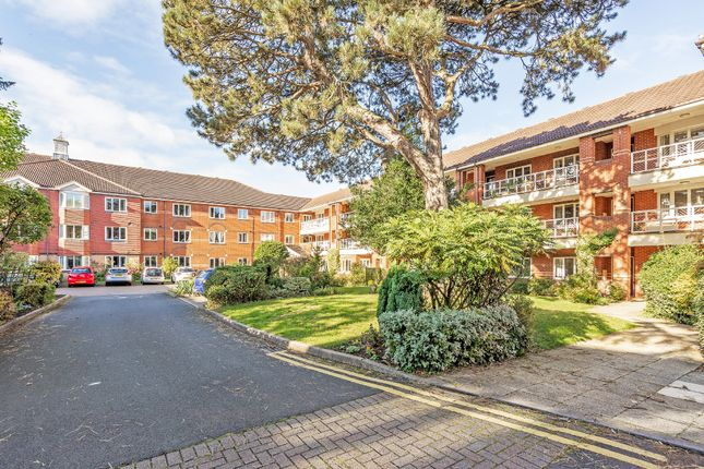 2 bed flat for sale in Grange Road, Solihull B91
