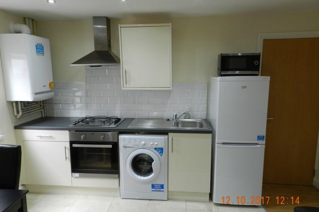 Thumbnail Flat to rent in 274 North Road, Cardiff