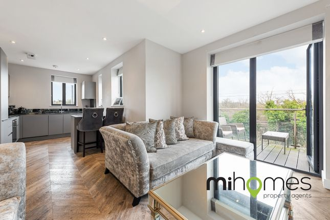 1 bed flat for sale in Green Close, Brookmans Park, Hatfield AL9