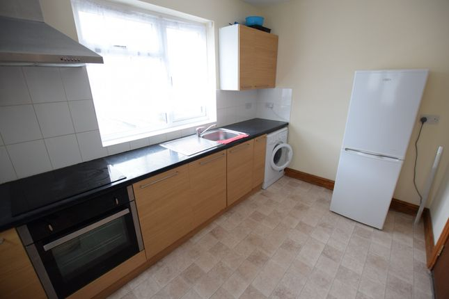 Thumbnail Flat to rent in High Street, Slough, Berkshire