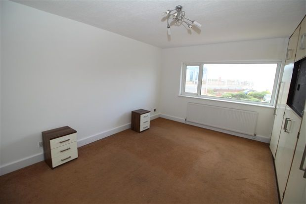 Bedroom of Freemantle Avenue, Blackpool FY4
