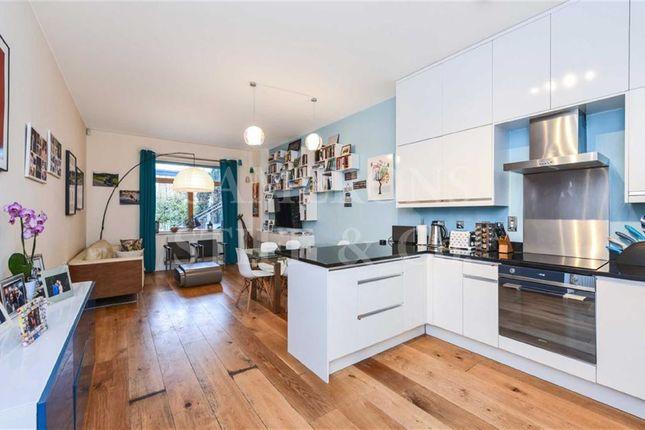 Thumbnail Flat to rent in Kingsgate Place, Kilburn, London