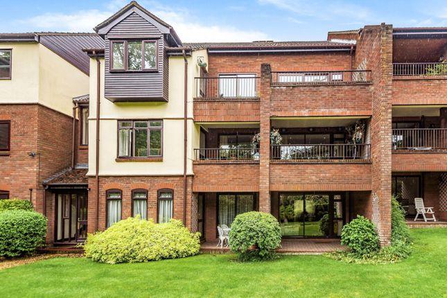 3 bed flat for sale in Raylands Mead, Bull Lane, Gerrards Cross SL9