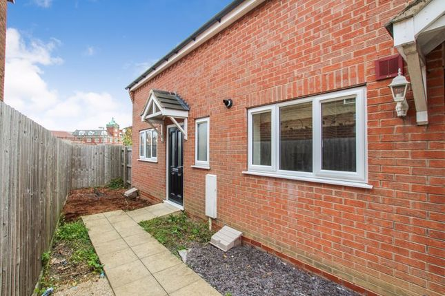 Thumbnail Town house to rent in Market Place, Ripley