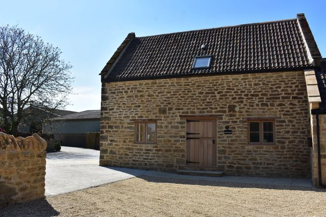 2 bed barn conversion to rent in Perrins Hill, Tintinhull, Yeovil BA22