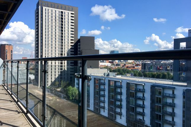 Thumbnail Flat to rent in The Riverside, Lowry Wharf, Derwent Street, Salford