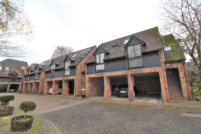 1 bed flat for sale in Copyground Lane, High Wycombe HP12