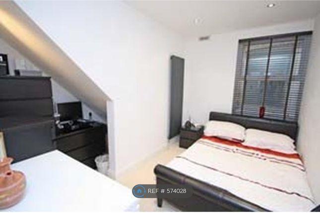 Bed 1 of Dudley Road, Kingston Upon Thames KT1
