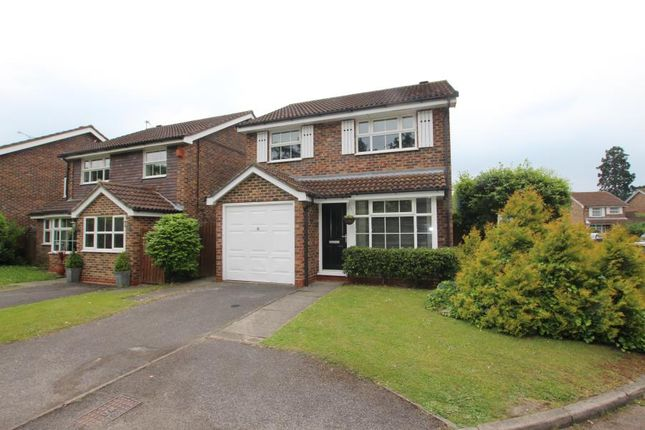 Thumbnail Detached house to rent in Cabbell Place, Addlestone