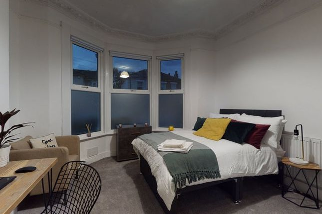 Property to rent in Carmichael Road, London