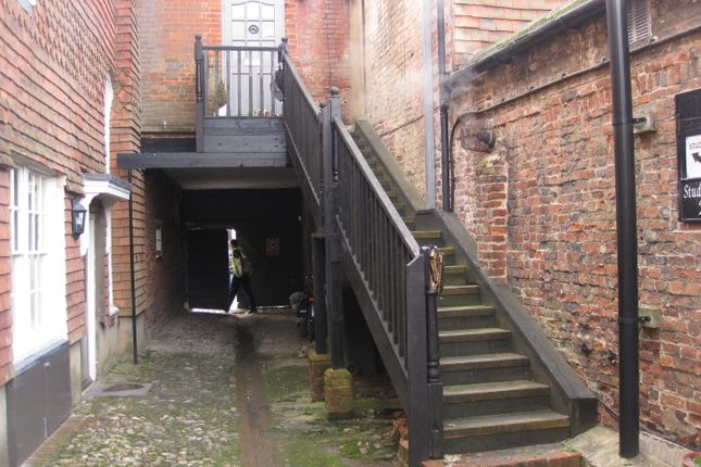 1 bed flat to rent in 22 High Street, Petersfield