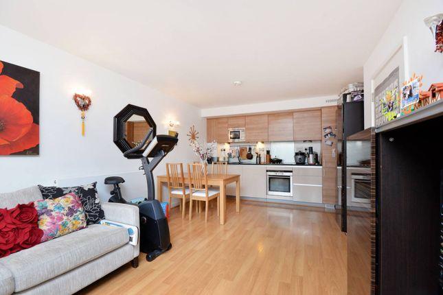 Thumbnail Flat to rent in John Harrison Way, Greenwich