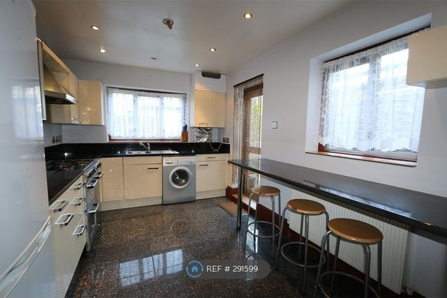 Thumbnail Terraced house to rent in Reighton Road, London