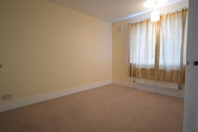 Thumbnail Flat to rent in Martindale Avenue, London