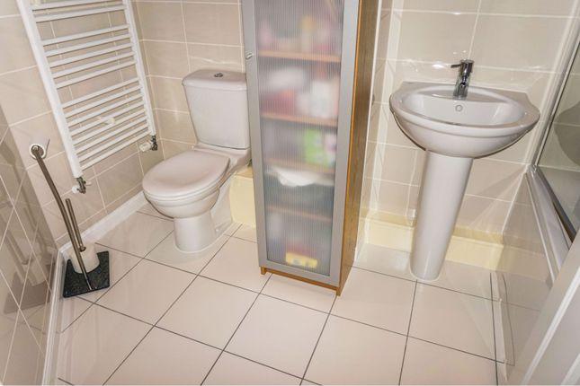 Bathroom of Marmaville Court, Mirfield WF14