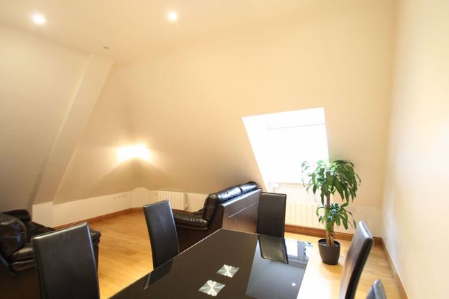 Thumbnail Flat to rent in Beechcroft Avenue, London