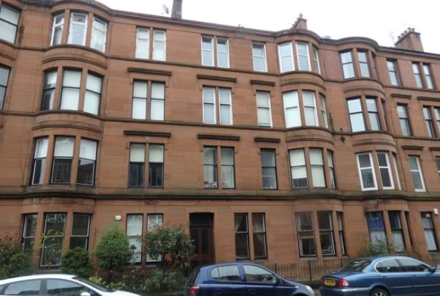 2 bed flat to rent in Highburgh Road, Glasgow