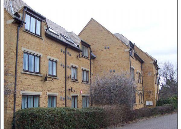 2 bed property to rent in Farrans Court, Northwick Avenue, Kenton HA3