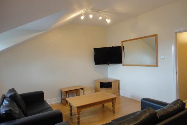 Thumbnail Flat to rent in Flat 3 Dinsdale Villas, Dinsdale Place, Sandyford