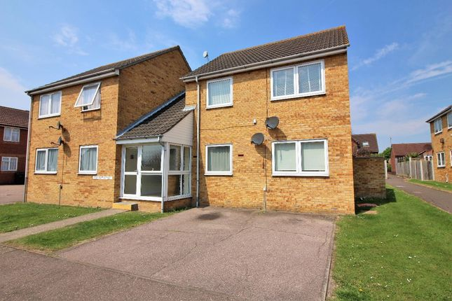 Thumbnail Flat for sale in Ferndale Close, Great Clacton, Clacton