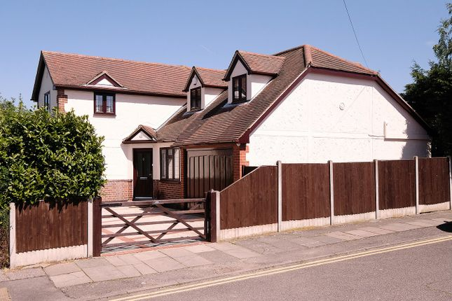 Thumbnail Detached house for sale in Moulsham Chase, Chelmsford