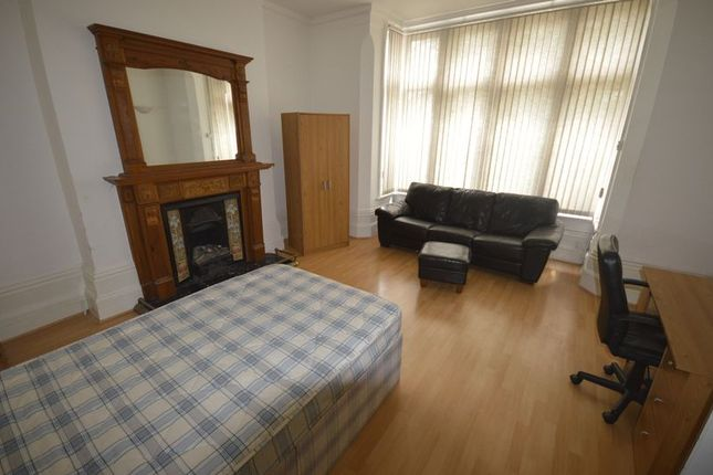 Thumbnail Shared accommodation to rent in Narborough Road, Leicester